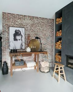 Spanish Home Interior .Spanish Home Interior Brick Interior, Interior Walls, Home Living Room, Interior Design Living Room, Interior Decorating, Living Pequeños, Brick Wall Decor, Fireplace Design, Home Remodeling