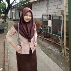 foto a nak pramuka cantik jilbab Casual Hijab Outfit, Hijab Chic, Beautiful Hijab, Beautiful Asian Girls, Sexy Hot Girls, Cute Girls, Hijab Collection, Girl Hijab, Muslim Women