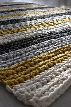 Modern Christmas, Christmas Diy, Knit Crochet, Rugs, Knitting, Crochet Ideas, Diy Ideas, Home Decor, Farmhouse Rugs