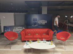 Sede de Aquarius CocaCola. Esperando a los 5 emprendedores senior #NosMorimosporVivir