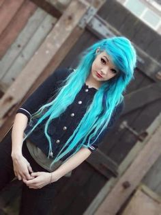 scene hair in turquoise, i love crazy colored hair!! I wish I could do this!