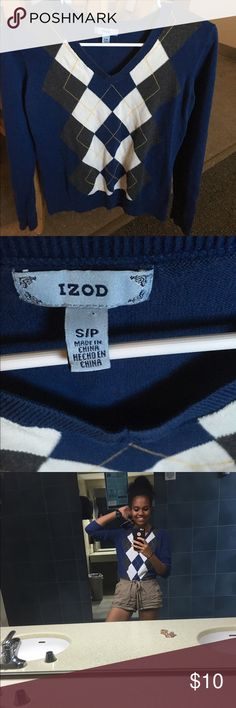 Izod Argyle Blue Sweater Size S, great condition, warm and perfect for the upcoming holidays! 😊 Izod Sweaters V-Necks