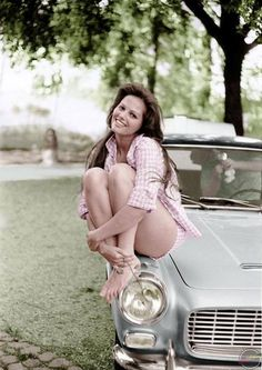Claudia Cardinale (actress) on the car (Lancia Flaminia). - via Old Hollywood The Days of Style & Elegance. Claudia Cardinale, Italian Actress, Old Actress, Classic Actresses, Actors & Actresses, Auto Girls, Car Girls, Style Année 60, Brick In The Wall