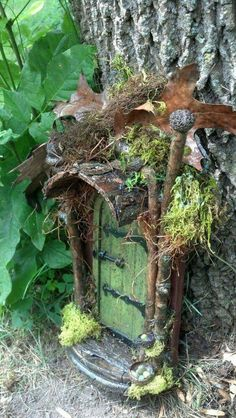 These are my favorite fairy gnome doors. If you don't know, gnome doors go on trees and fairy doors go on fairy houses. Fairy Garden Houses, Gnome Garden, Fairy Garden Doors, Fairy Doors On Trees, Diy Fairy Door, Fairy Gardening, Fairy Tree Houses, Kobold, Fairy Furniture