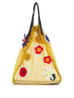 For many women, buying an authentic designer bag is not really something to dash into. Because they bags can be so high priced, most women in some cases agonize over their selections before making an actual purse acquisition. (Re:Ladies Baguette bags. Crochet Backpack, Crochet Tote, Tote Backpack, Crochet Flower, Yellow Backpack, Crochet Handbags, Crochet Shell Stitch, Crochet Motifs, Yellow Purses