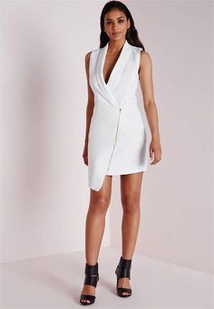 We've gathered our favorite ideas for Lyst Missguided Crepe Sleeveless Blazer Dress White In White, Explore our list of popular images of Lyst Missguided Crepe Sleeveless Blazer Dress White In White. White V Neck Dress, Black Long Sleeve Dress, Sleeveless Blazer, Blazer Dress, Women's Fashion Dresses, Sexy Dresses, Dresses With Sleeves, White Shift Dresses, Casual Summer Dresses