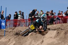 2006 - Jared Graves wins the Sea Otter mtb pro gravity omnium title. Shown here, rutting out the slalom course.