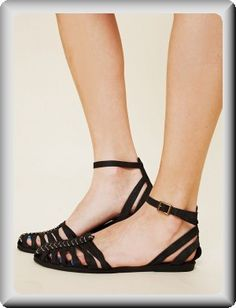 Jeffrey Campbell Black Leather Toe Heel Closed-Toe Ankle-Strap Strappy Sandals