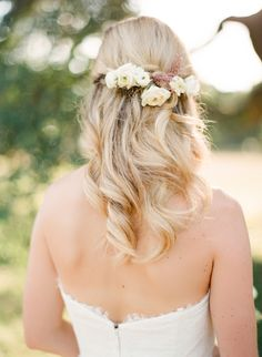 Floral pinned bridal hairstyle: Photography: Mint Photography - http://mymintphotography.com/