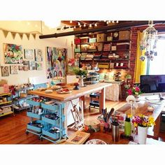 Home art studio organization ceilings Ideas Home Art Studios, Art Studio At Home, Art Studio Spaces, Art Studio Room, Craft Studios, Music Studios, Creative Arts Studio, Art Studio Design, Studio Ideas