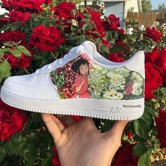 Amazing 'Spirited Away' Air Force 1 customs by inspired by the work. Dr Shoes, Hype Shoes, Sock Shoes, Me Too Shoes, Shoes Pic, Custom Painted Shoes, Custom Shoes, Aesthetic Shoes, Sneaker Art