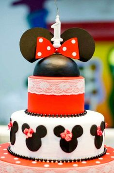46 Bolo Da Minnie Mouse, Minnie Mouse Cookies, Minnie Mouse Party, Mouse Parties, Themed Parties, Chocolate Lollipops, Sweet Cakes, Birthday Party Themes, Cupcakes