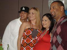 Daddy+Yankee+:+En+familia!!!!!!! Reymond,+Mireddys,+Normar+y+su+cuñada+que+no+se+como+se+llama+je+je+je+je!!!!!  Besos!!!!+ +lalu001