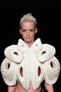 Futuristic armor Ris Van Herpen, SS11 Amsterdam Fashion Week
