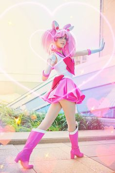 It's Friday! So let's have a bit of a fun post :) Love this shot of as Chibi-Moon is right behind when it comes to my favorite Senshi. She's just too cute & too pink not to be! Cute Cosplay, Anime Cosplay, Cosplay Ideas, Cosplay Girls, Sailor Chibi Moon, Sailor Moon Cosplay, Sailor Mars, Shoot The Moon, Princess Serenity