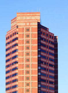 En el centro de la gran ciudad de #LosAngeles, la segunda más poblada de los #EstadosUnidos, se encuentran una inmensa cantidad de edificios y rascacielos de diferentes formas y colores. http://www.bestday.com.mx/Los-Angeles-area-California/ReservaHoteles/