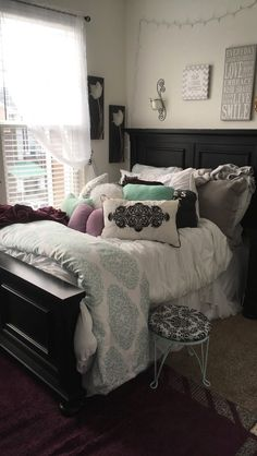 I don't like the bedding but i do like the head board Bedroom Sets, Room Decor Bedroom, Girls Bedroom, Bedrooms, Dream Rooms, Dream Bedroom, My New Room, House Rooms, Living Room Interior