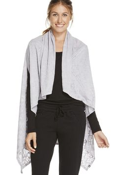 The Lily Scarf en Stone Trailmix - Ropa deportiva chal, bufanda Fabletics