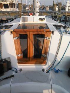 Hunter Owner Modifications and Upgrades Hunter Sailboats, Sailboats For Sale, Sailboat Living, Living On A Boat, Sailboat Interior, Yacht Interior, Sailboat Restoration, Sailboat Cruises, Liveaboard Sailboat