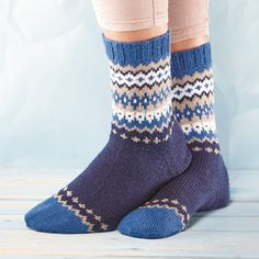 Ravelry: Soxx No. 15 pattern by Kerstin Balke Crochet Socks, Knitting Socks, Knit Crochet, Sock Toys, Winter Socks, Wool Socks, Knitting Charts, Knitting Designs, Knit Patterns