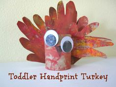 Easy handprint turkey craft for toddlers ( and older kids too).
