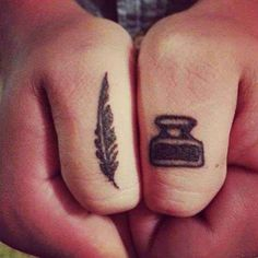 15 So Tiny Tattoos with Gigantic Meanings - Beste Tattoo Ideen Tattoos 3d, Finger Tattoos, Small Tattoos, Thumb Tattoos, Knuckle Tattoos, Tatoos, Arrow Tattoos, Word Tattoos, Temporary Tattoos
