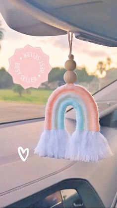 Diy Crafts For Home Decor, Diy Crafts For Gifts, Yarn Crafts, Crafts To Make, Macrame Wall Hanging Diy, Cute Car Accessories, Macrame Design, Diy Keychain, Macrame Projects