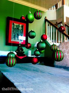 Dining Room Christmas Decor - the DIY village Christmas Time Is Here, Christmas Love, All Things Christmas, Christmas Holidays, Christmas Ornaments, Christmas Ideas, Red Ornaments, Celebrating Christmas, Merry Christmas