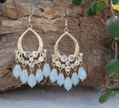 Fashion Earrings Teardrop Dangle Gold Tone Metal White Glass Beads Pierced #DropDangle