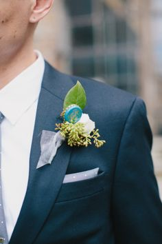 Unique Buttonhole | Cool Spring Wedding in Chicago | Megan Saul Photography | Bridal Musings Wedding Blog .jpg