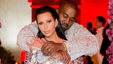 https://www.biphoo.com/celebrity/kim-kardashian/news/kim-kardashian-kanye-west-designed-10k-push-present-with-special-meaning-for-surrogate