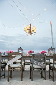 As we've already mentioned ~ we're in LOVE with this beachy-rustic decor! Wedding Photography: Style Art Life / Event Design: Ben of Little Island Design