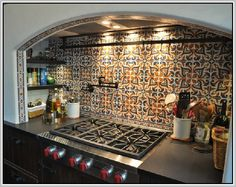20 Luxury Spanish Interior Design Ideas To Inspire Your Home Decor spanish kitchen decor - Kitchen Decoration Spanish Kitchen Decor, Hacienda Kitchen, Spanish Style Decor, Spanish Style Bathrooms, Spanish Style Homes, Spanish Bathroom, Kitchen Modern, Design In Spanish, Spanish Colonial Kitchen
