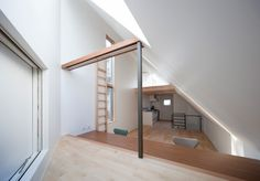 This three-storey building, dubbed House in Shirogane, is the work of Okuna Architects, based in Japan. The residence is 95 square meters in size and constructed of reinforced concrete and wood.