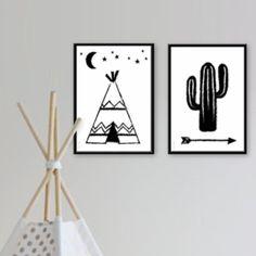 Poster Tipi A4 Van deze tipi op A4-formaat wil je spontaan een nachtje – of langer – op de prairie kamperen. Past perfect bij onze A4 poster Cactus en samen vormen ze een trendy decoratie op de slaapkamer van alle kleine indiaantjes. Beiden verkrijgbaar in basic zwart-wit, eenvoudig en stoer.  Afmeting: A4 formaat Materiaal: 170 grams gerecycled papier
