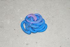 Noch bis Ende November könnt Ihr in Schöneberg diese Kunstausstellung besuchen: Nina Canell | Foam-Skin Insulated Jelly-Filled Vowel | Barbara Wien | 17.09.-30.11.2016 by bis 30.11. | Barbara Wien zeigt ab dem 17. September 2016 die AusstellungFoam-Skin Insulated Jelly-Filled Vowel der Künstlerin Nina Canell. Foam-Skin Insulated Jelly-Filled Vowel – Nina Canells dritte Einzelausstellung bei Barbara Wien – beginnt am 16. September 2016, zur abc gallery night. Neben A