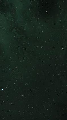 Beste Iphone Wallpaper, Iphone Wallpaper Green, Wallpaper Space, Cellphone Wallpaper, Aesthetic Iphone Wallpaper, Galaxy Wallpaper, Aesthetic Wallpapers, Dark Green Wallpaper, Phone Backgrounds