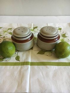 Check out this item in my Etsy shop https://www.etsy.com/listing/533047128/vintage-salt-and-pepper-shakers