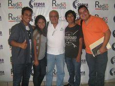 Con Pedro Ventocilla Olaya, director del Observatorio del Medio Ambiente Peruano, junto al equipo de Radio Cepea. (2015)