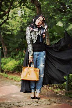 Dian Pelagi: Swing http://blog.dianpelangi.com/2014/02/dusk.html  ..how beautiful she is and i love her fashion style