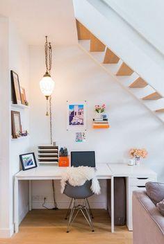 espace sous escalier alternatif - bureau à la maison chic et exotique