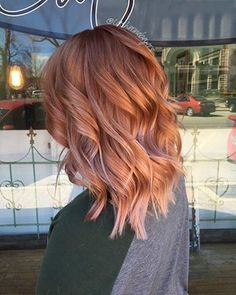✨✨!! @pravana @brazilianbondbuilder @monatofficial #hairbycatherinebeyers #naturallight #balayage #blushhair #rosegoldhair @calliecella #b3 #hairtransformation #hairisart #balayagehair