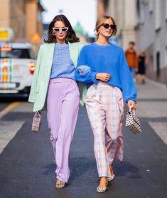 Get the Skandi-Look: Die besten Streetstyles von der Stockholm Fashion Week Colourful Outfits, Colorful Fashion, Colorful Clothes, Fashion Colours, Pastell Fashion, Look Fashion, Fashion Outfits, Fashion Trends, Street Fashion