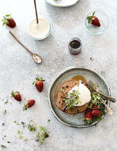 Thermomix buckwheat blueberry pancakes Buckwheat Pancakes, Blueberry Pancakes, Nutella, Yeast Free Recipes, Whole Food Recipes, Vegan Recipes, Famous Vegans, Cashew Cream, Summer Snacks
