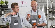 """Telekom Campus Cooking - In zehn deutschen Unis bringen die Starköche Stefan Wiertz und Patrick Gebhardt mit gesundem """"Brainfood"""" Abwechslung in den Speiseplan der Mensen."""