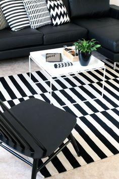 Contemporary Small Apartment with Swedish Style Interior Design - Home Decor & Design Ideas. Sweet Home, Ikea Stockholm Rug, Nordic Interior, Interior Design, Living At Home, Living Room, Nordic Living, Black And White Interior, Black White