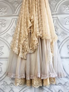 cream tiered boho wedding dress by mermaid miss Kristin Flowing Dresses, Lace Dresses, Vintage Dresses, Vintage Outfits, Flower Girl Dresses, Wedding Dress With Veil, Wedding Dresses, White Lace Skirt, Gold Bridesmaid Dresses