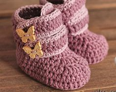 Crochet Pattern 029 Booties Crochet Pattern por AlenasDesign                                                                                                                                                                                 Más