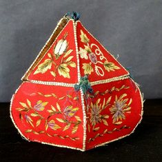 Huron Sewing Box | Special Exhibitions -- Illinois State Museum