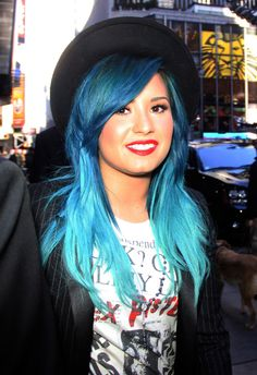 Blue-Haired Demi Lovato Looks Super Edgy in NYC (PHOTOS)
